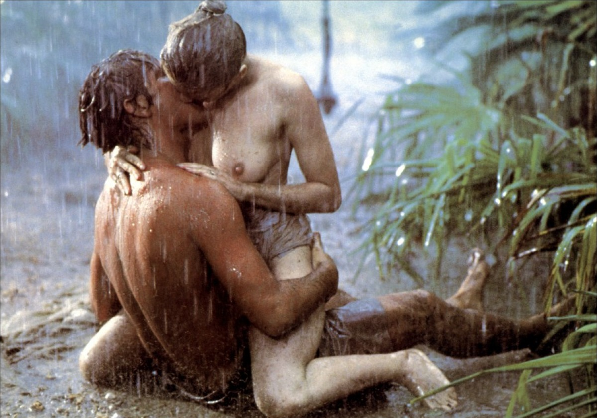 Scarlett johansson very hot sex scene in rain making out make love scene match point