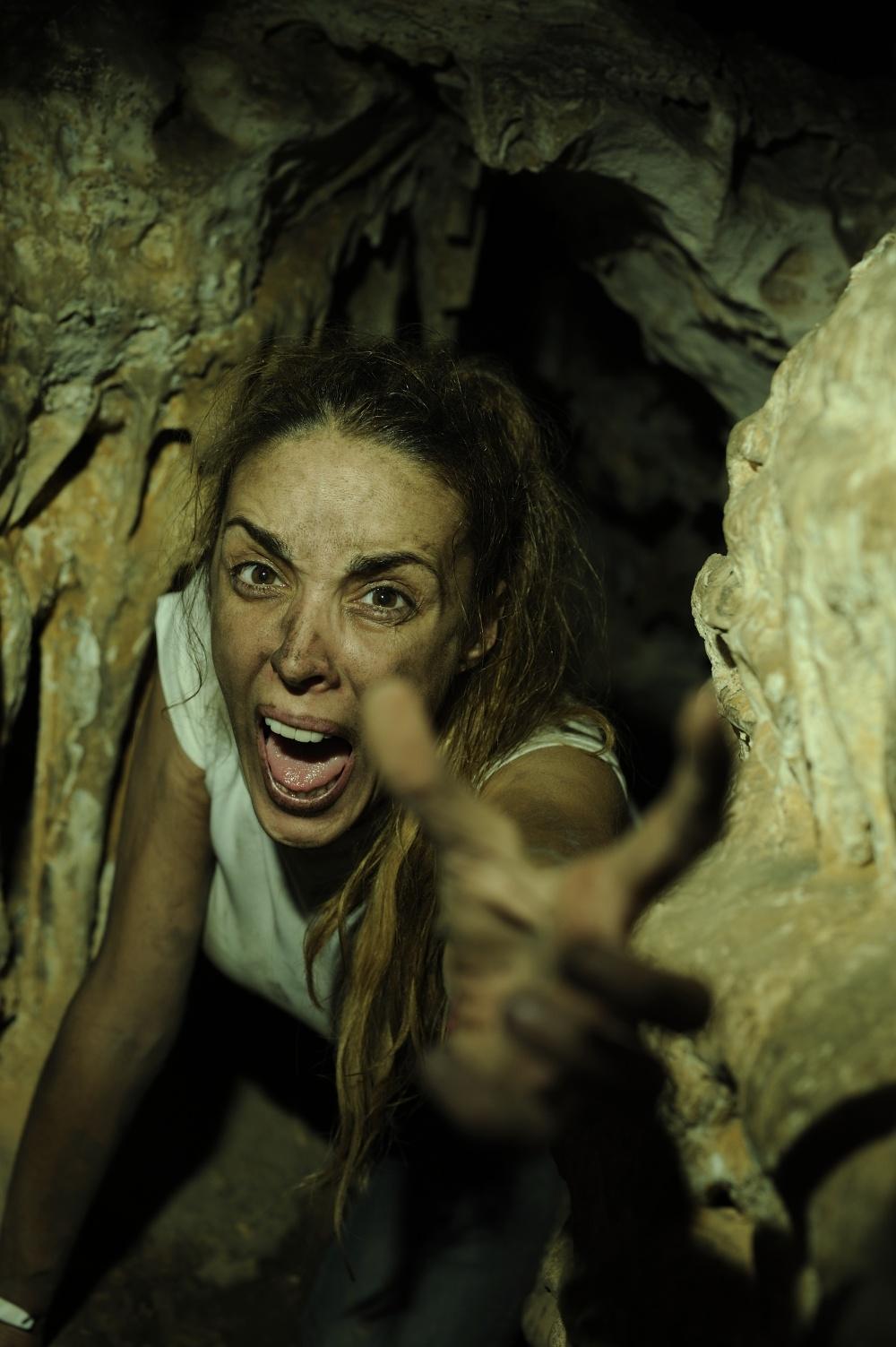 Ужасы девушки под землей
